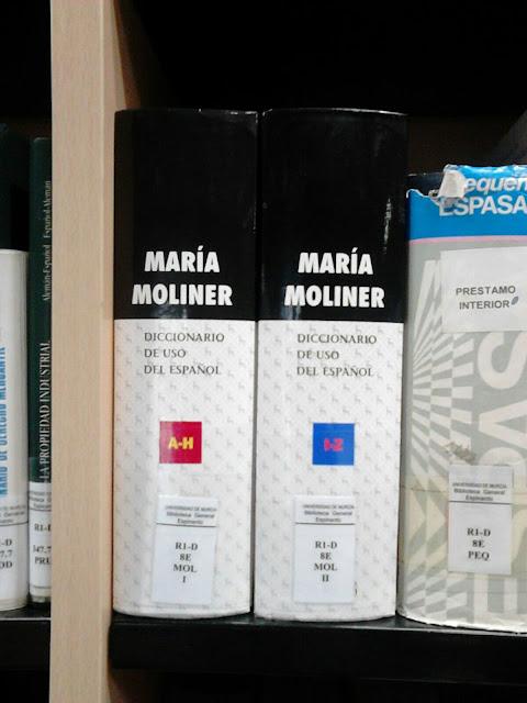 """(1ª planta de la Biblioteca General María Moliner) 1 de marzo, 50 años del """"Diccionario de uso del Español""""."""