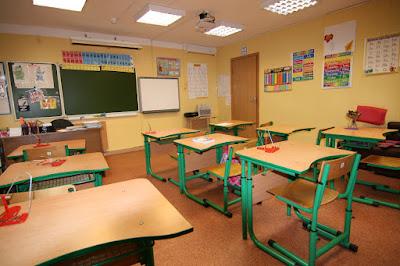 В Одеській області на батьківських зборах у школі побили чиновницю