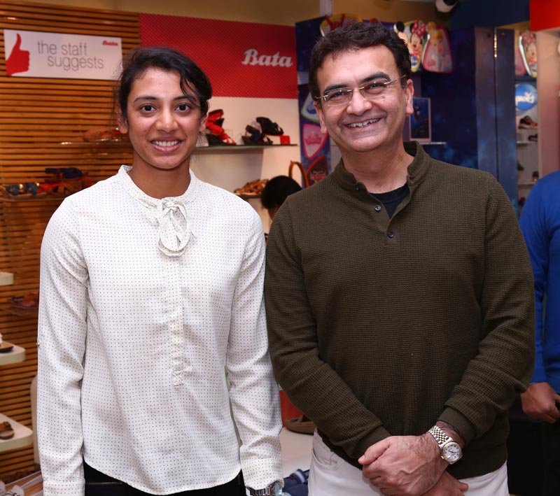 Smriti Mandhana with Sandeep Kataria, Country Manager, Bata India