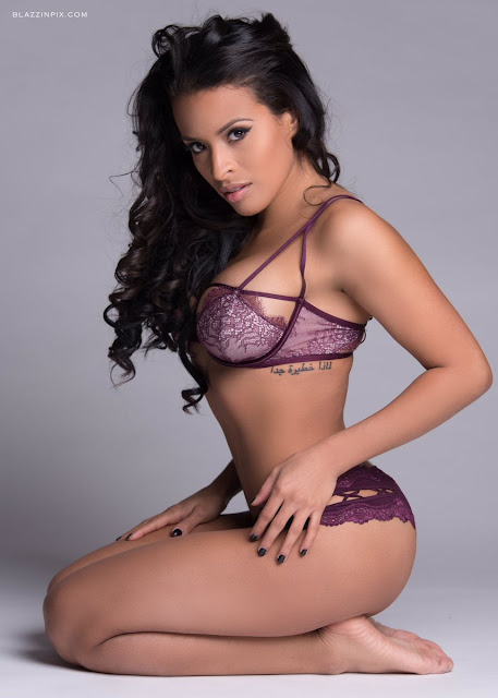 Zelina Vega feet. StrengthFighter.com