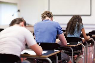 Formación, jóvenes en aula