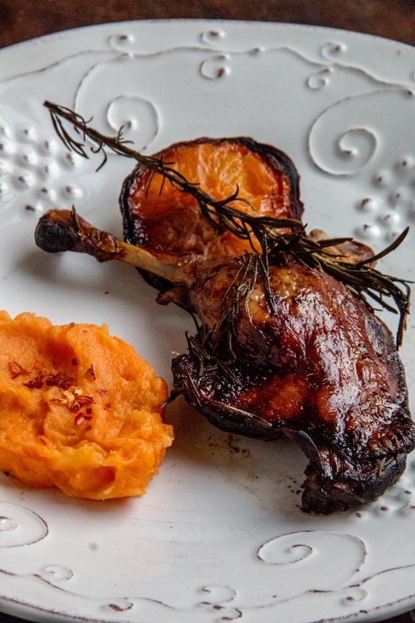 kaczka pomarańcza rozmaryn czosnek dynia chilli