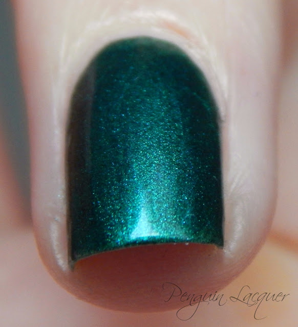 kiko nail lacquer 535 metallic british green makro