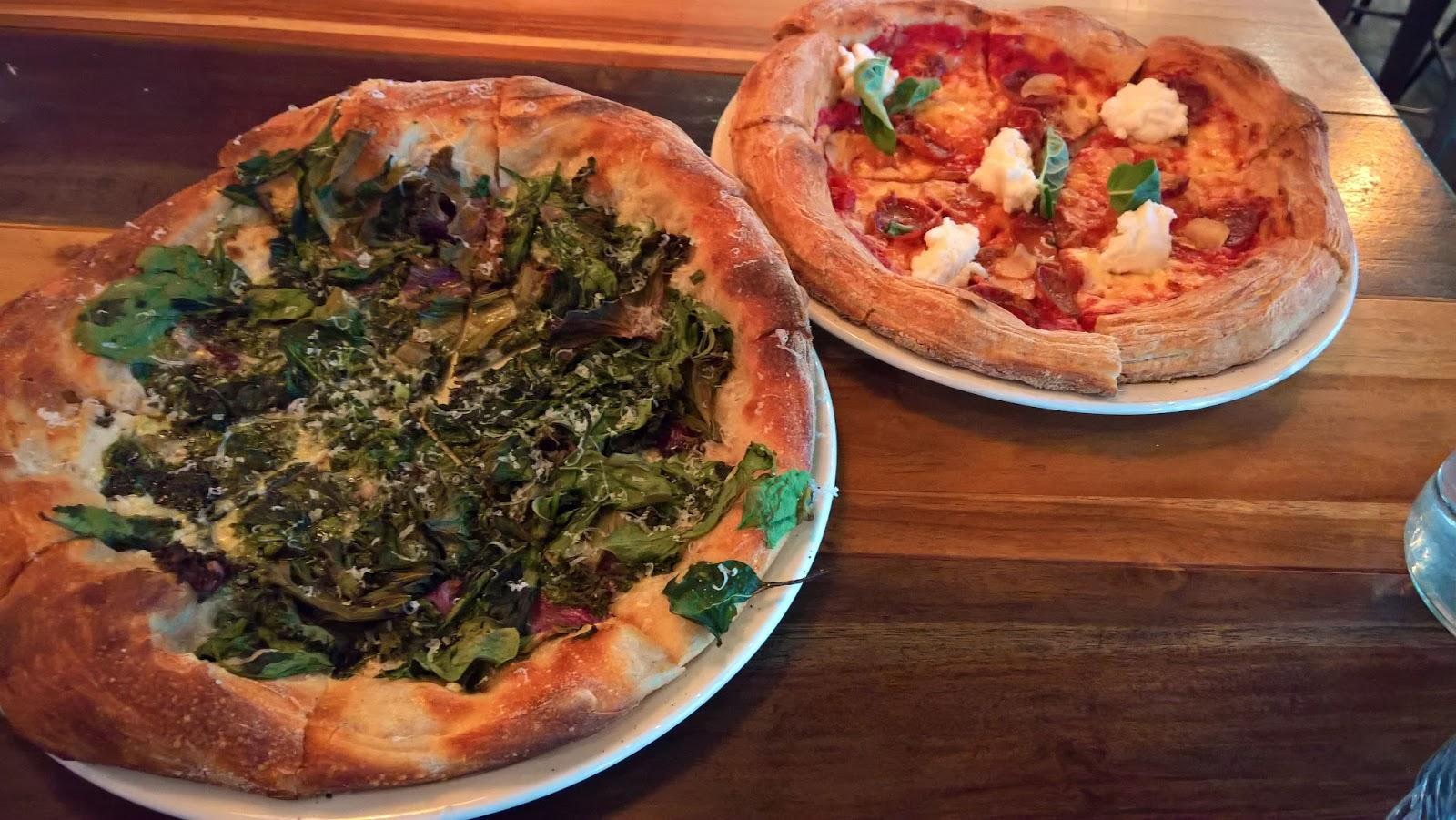 Santa Monica Los Angeles Stella Barra ravintola Mallaspulla matkakertomus pizza