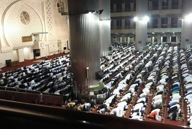 Peserta Aksi 55 dari Garut Hingga Surabaya Menginap di Masjid Al-Ittihaad