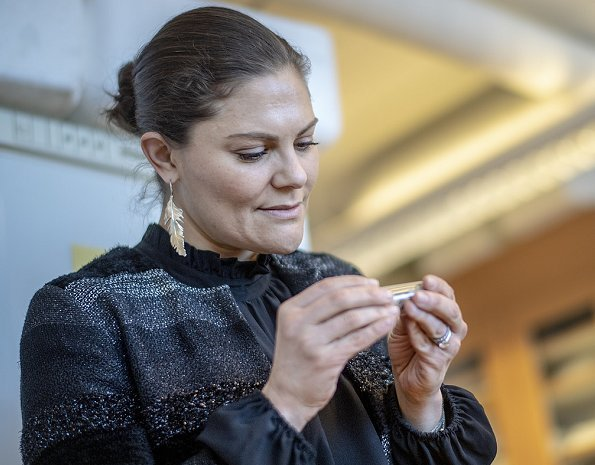 Crown Princess Victoria wear Kreuger Jewellery Summer Feather Earrings and she wore Baum und Pferdgarten black top