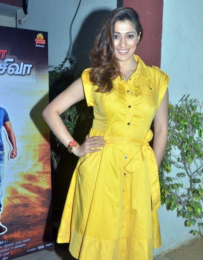 Actress Raai Laxmi 2017 Hot Images In Yellow Dress
