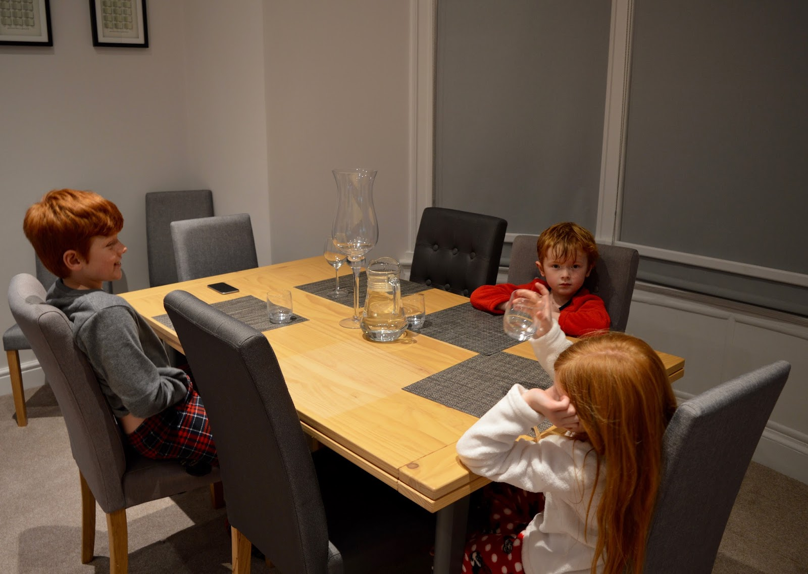 We review One Frenchgate House - A Luxury Serviced 4 Bedroom Apartment in Richmond, North Yorkshire. Available to rent for holidays and short breaks - dining room