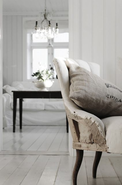 hellolovely-hello-lovely-studio-french-farmhouse-beautiful-deconstructed-chair