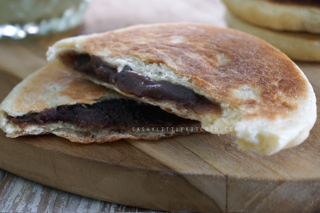 Red Bean Flatbread (Roti Pipih Isi Pasta Kacang Merah Tanpa Oven)