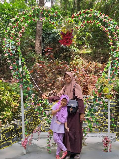 Jembatan-srambang-park-ngawi,Menelusuri Srambang Park Sebagai Wonderful Indonesia Di Ngawi, tips datang ke srambang park ngawi, harga tiket masuk srambang park ngawi, alamat srambang ngawi, lokasi srambang ngawi