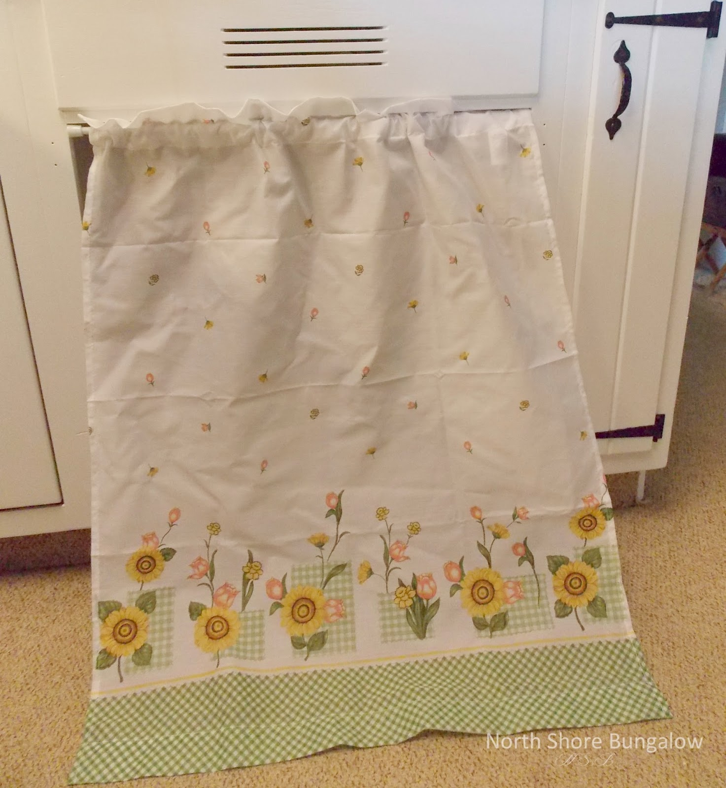 North Shore Bungalow: No Sew Under The Sink Curtains