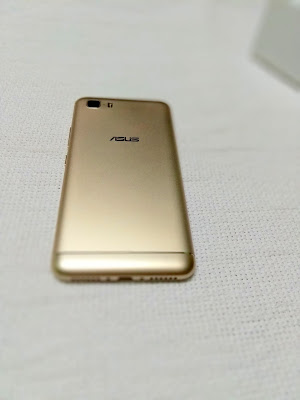 Asus Zenfone 3s Max (ZC521TL) Unboxing & Photo Gallery