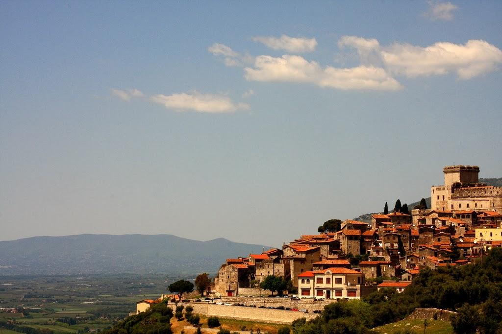 Vista do Burgo Medieval e Castelo de Sermoneta