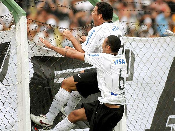10 anos de Ronaldo no Corinthians: a reafirmação de dois gigantes