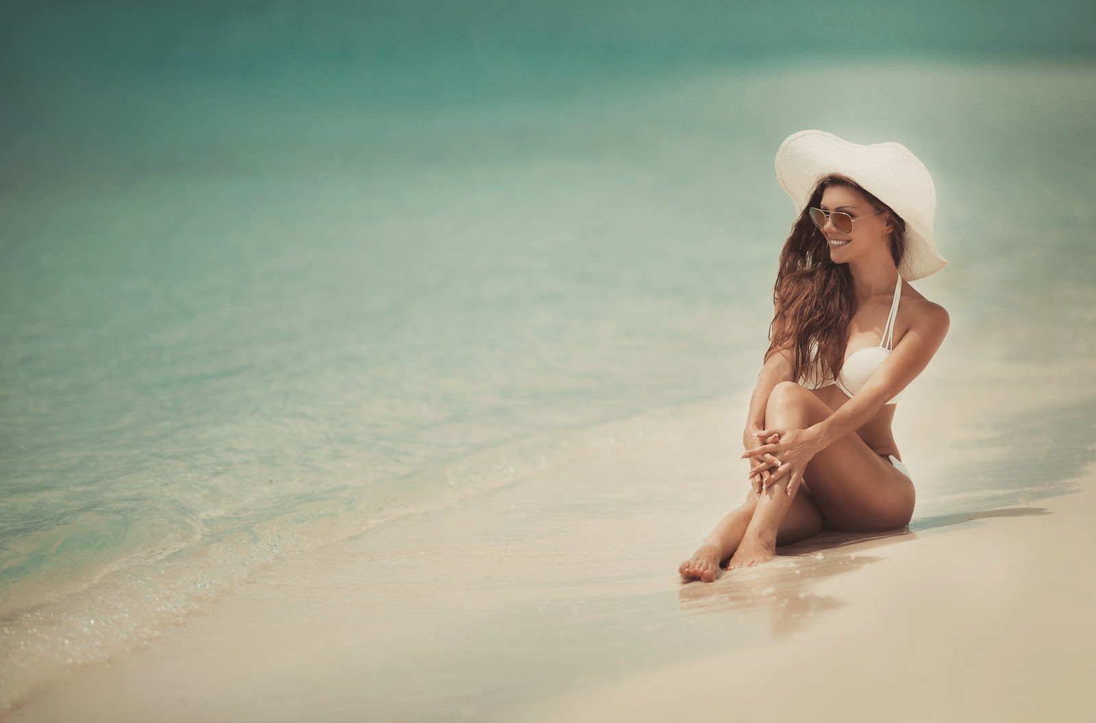 shutterstock_165834032 Simple Beauty Routine For a Beach VacayBeauty