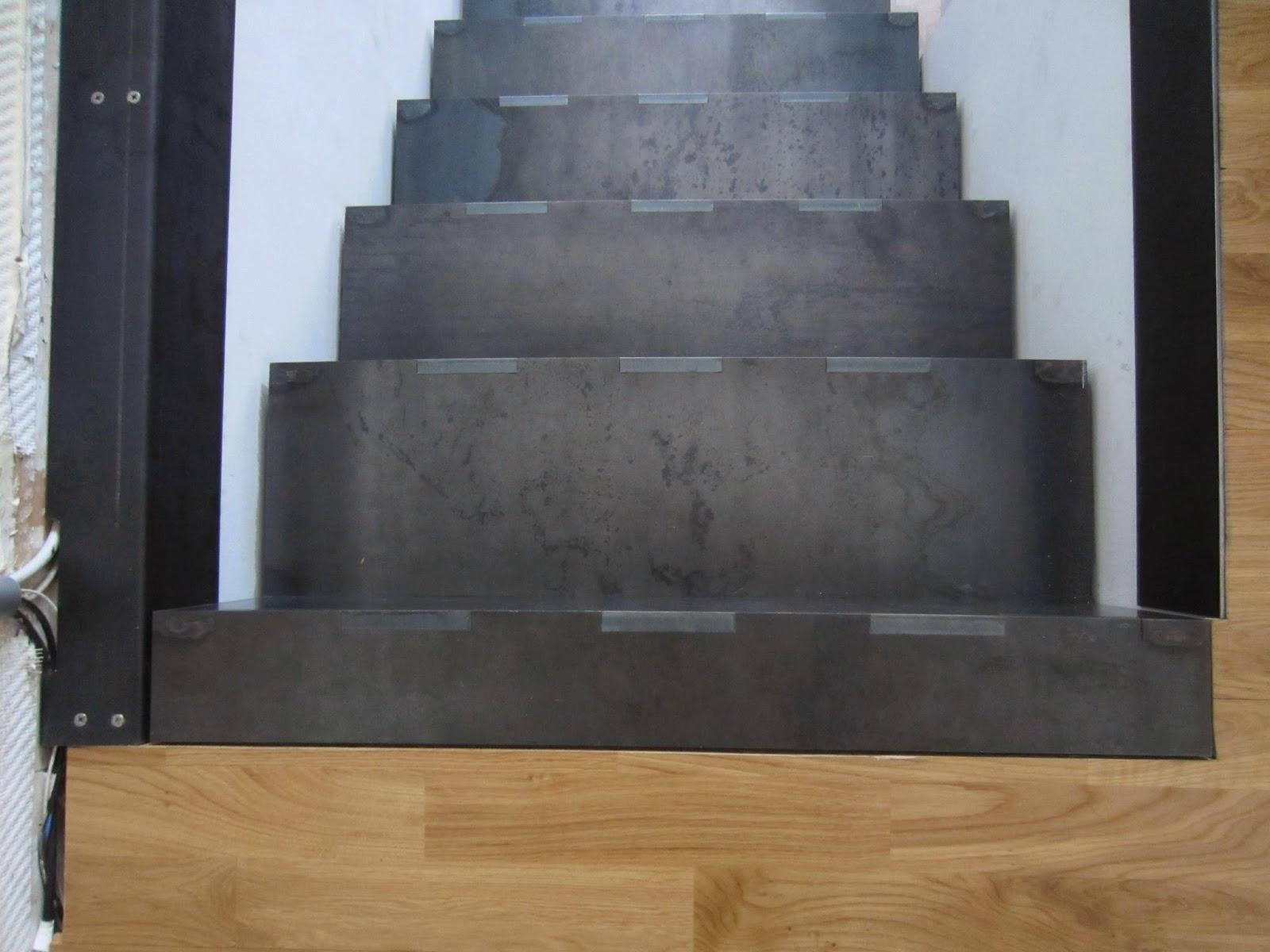 falttreppe stahl walzblau verzahnt fr bel metallbau. Black Bedroom Furniture Sets. Home Design Ideas