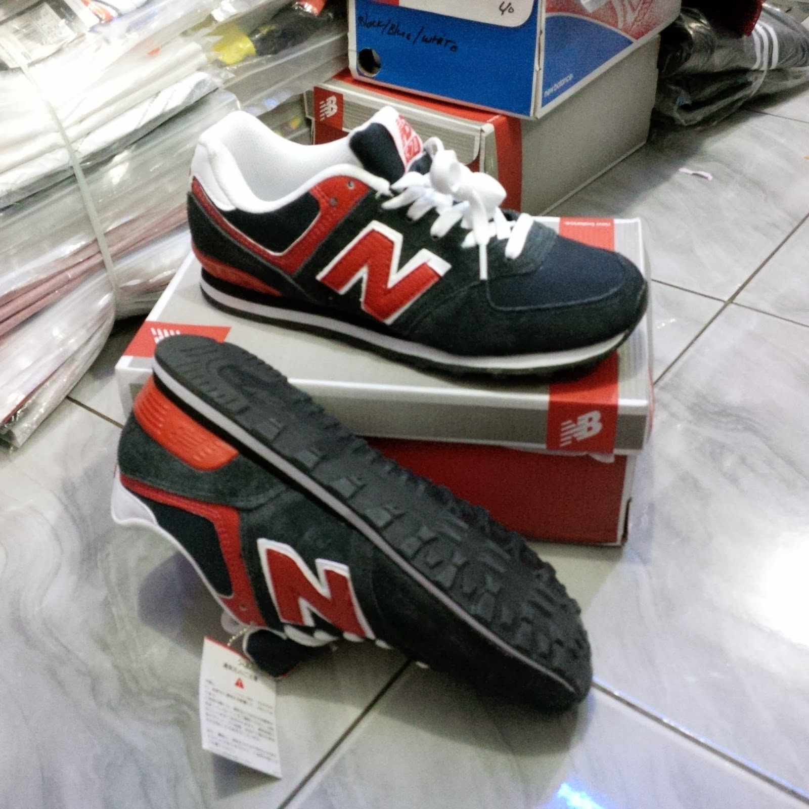 cf78061feba SEPATU NEW BALANCE MEN MADE IN VIETNAM 574 CLASSIC ABU/OREN/PUTIH ...