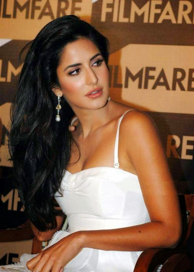 katrina kaif cleavage photo