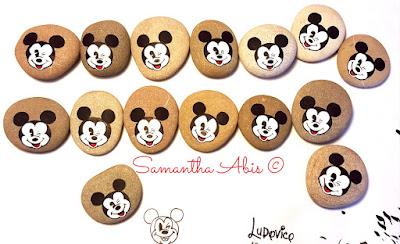 Bomboniere bambino originali  Mickey Mouse Topolino sassi dipinti