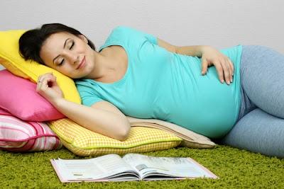 Posisi Tidur Miring Ibu Hamil