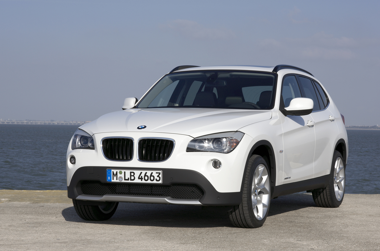 BMW X1 SDrive20d 1600x900 Photos
