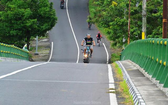 Melintasi jembatan Kreo perbatasan Sleman - Kulon Progo