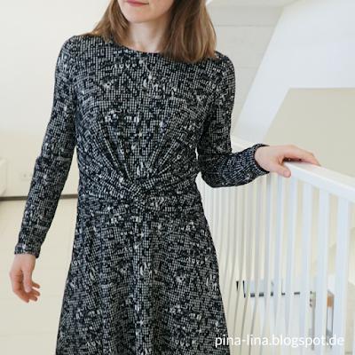 Knoten vorn am Kleid aus der Burda 1/2018