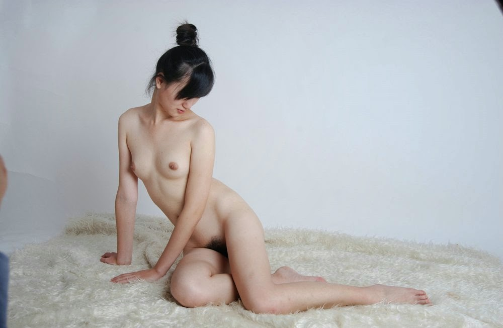 donne-nude-chinese-lesbian-strap-on-sex-porn