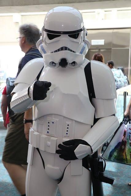 stormtrooper-cosplay-san-diego