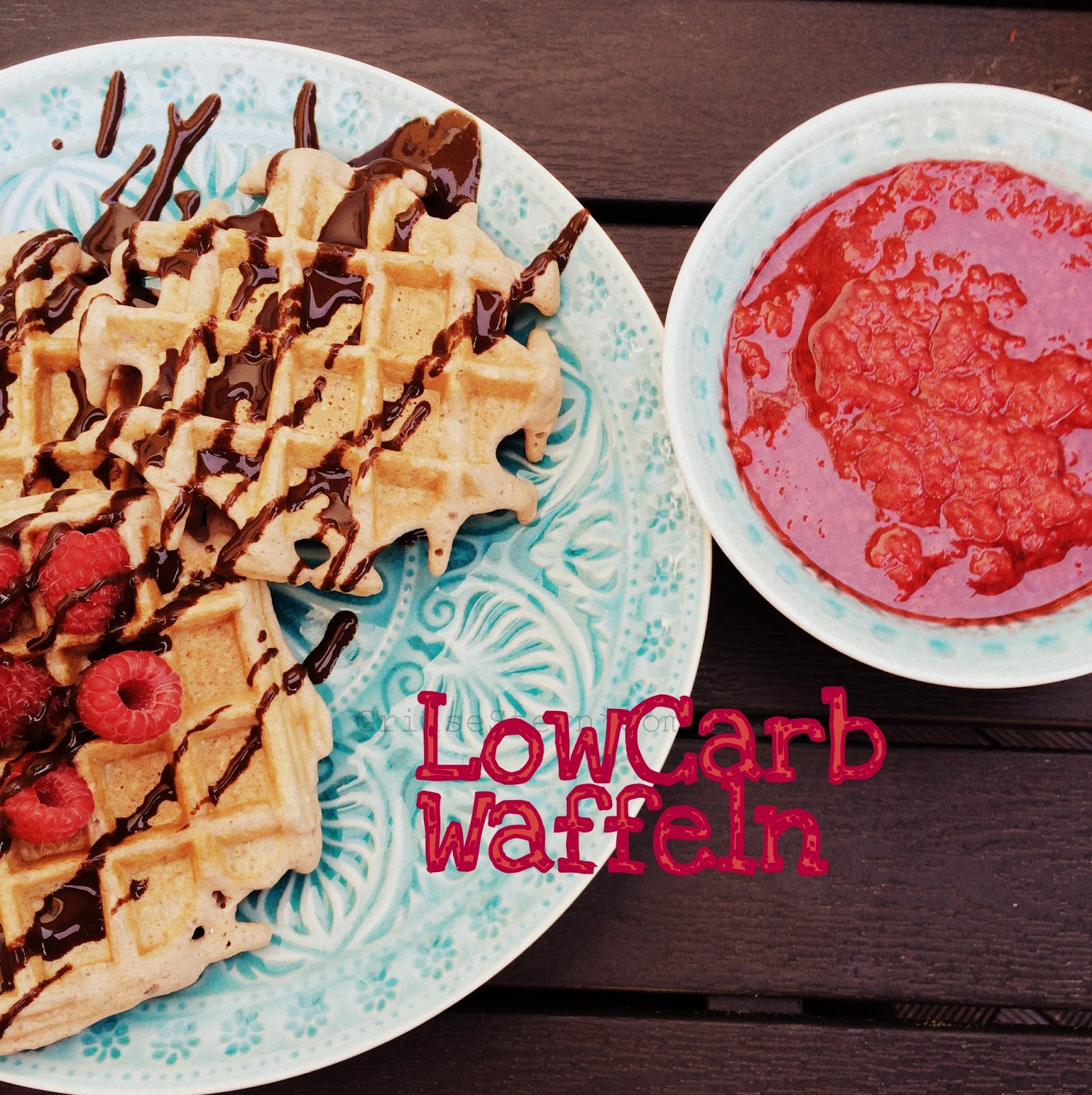 http://www.grinsestern.com/2014/06/low-carb-waffel-rezept-geht-auch-in.html