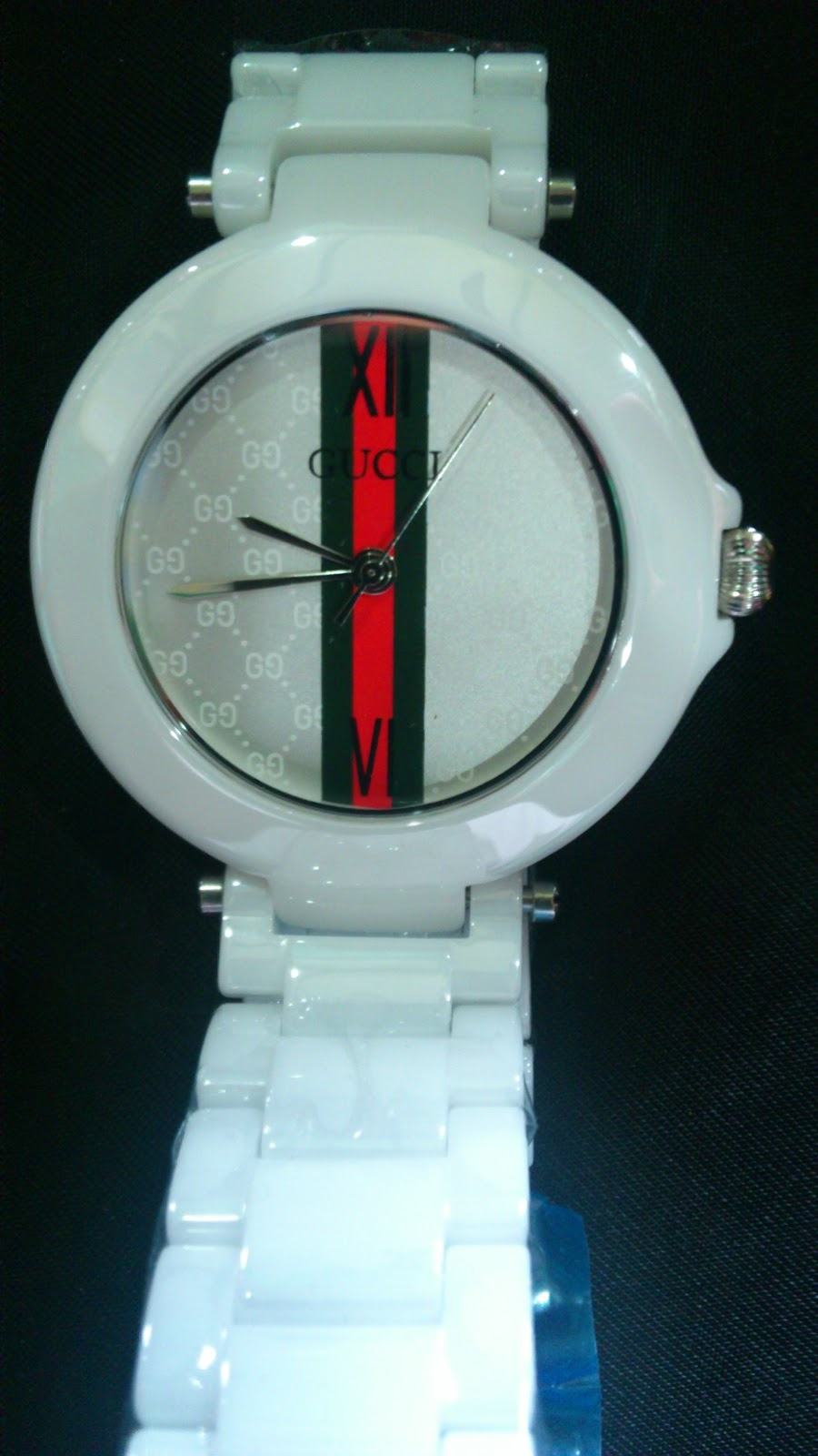 ea1145882ae New Gucci Sapphire Crystal Ceramic Quartz Mens Watch White 666. These photo  is taken from actual item