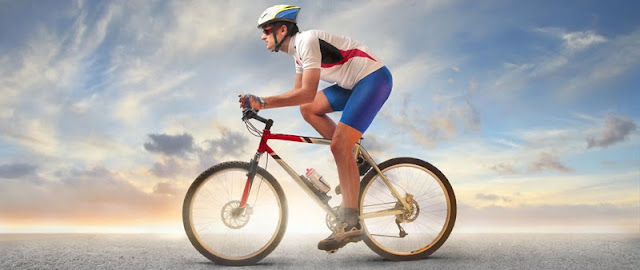 Preparándonos para salir a montar en bicicleta