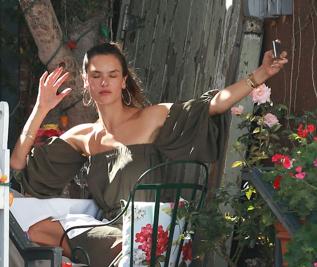 2016 Photos of Alessandra Ambrosio out For Lunch in West Hollywood