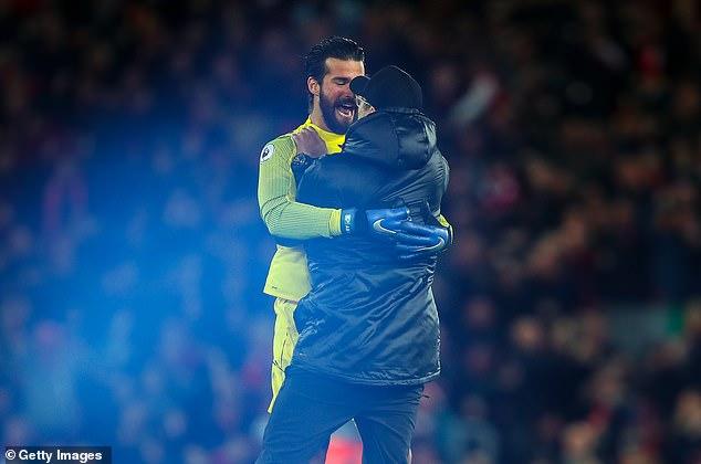Mourinho sẽ bị cấm 25 trận nếu ăn mừng kiểu Klopp