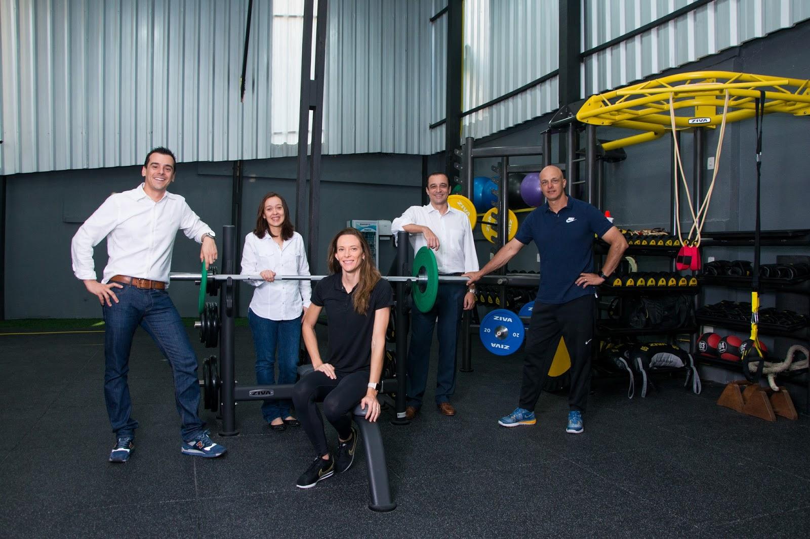 0ea413a97 Ex-atleta Fabiana Murer inaugura Instituto de Saúde em São Paulo com  equipamentos Life Fitness