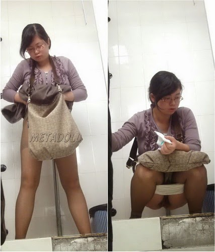 ShareVoyeur 406-420 (College girls toilet spy)