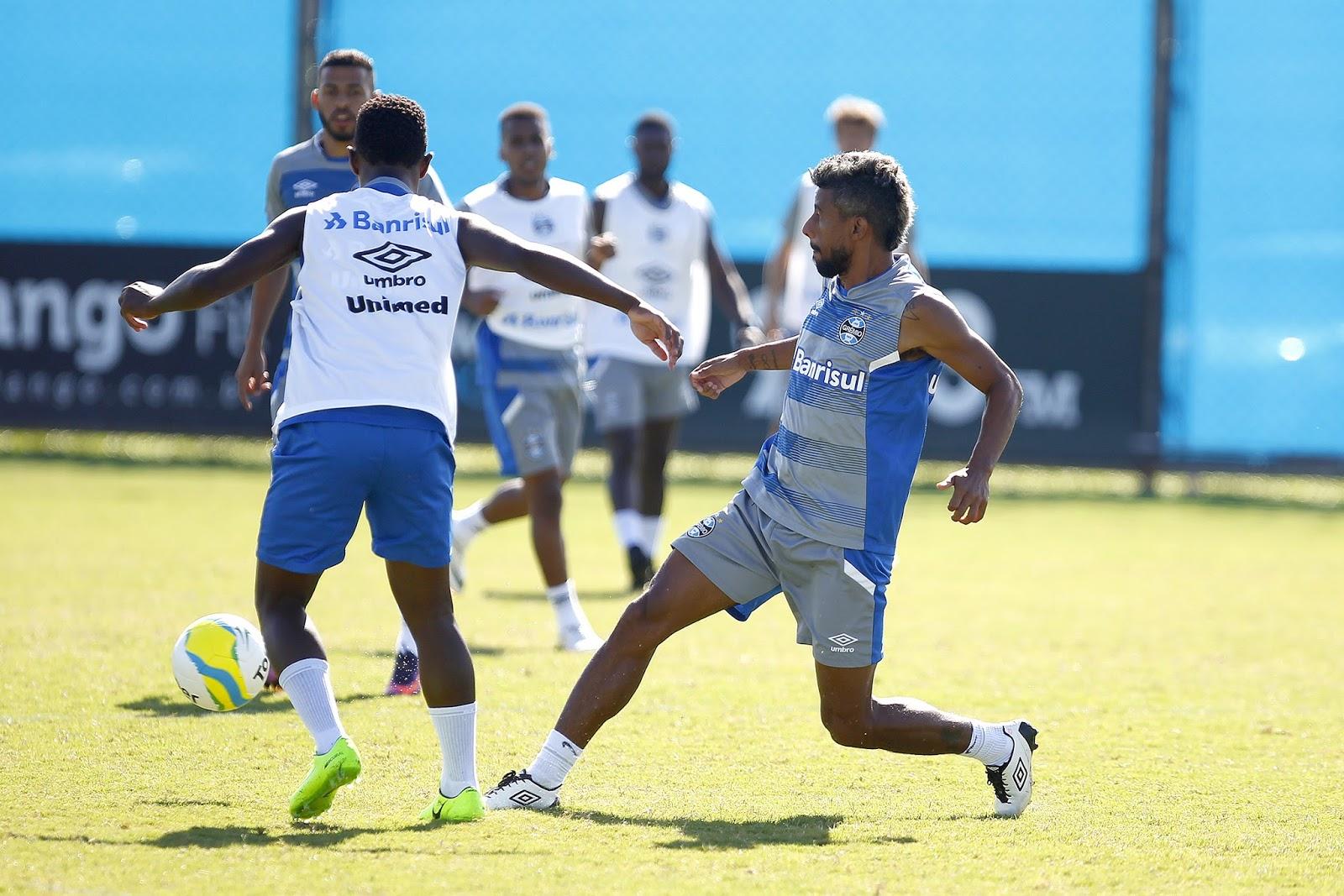 Léo Moura deve ser titular do Grêmio neste jogo (Foto: Lucas Uebel/Divulgação)
