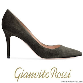 Kate Middleton wore Gianvito Rossi Olive Pumps