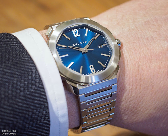 Wristshot of the new Bulgari Octo Roma with blue dial