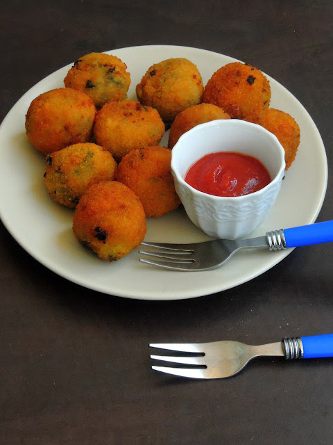 Cheese Stuffed Drumstick Leaves Balls