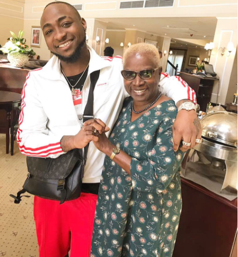 Davido-meets-Angelique-Kidjo-in-South-Africa