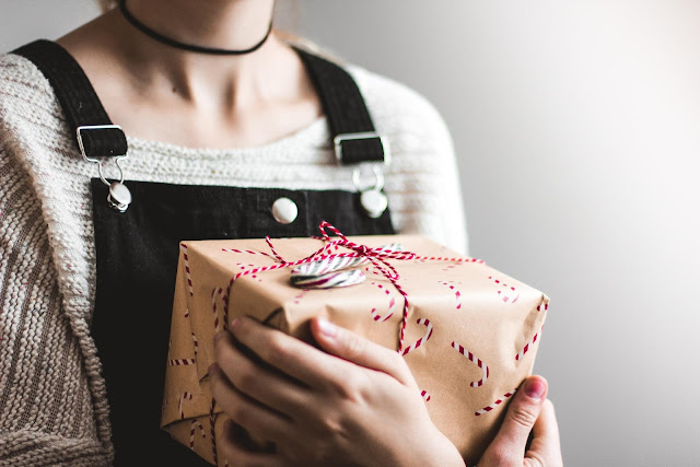 Holiday Gift Ideas for Self-Improvement Enthusiasts