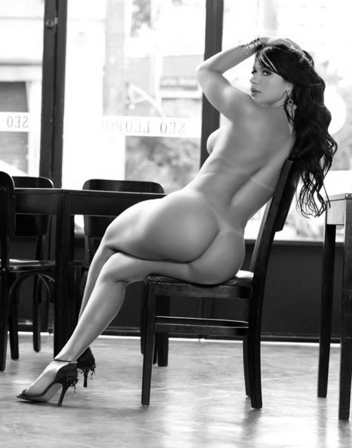 thick thigh babes nude