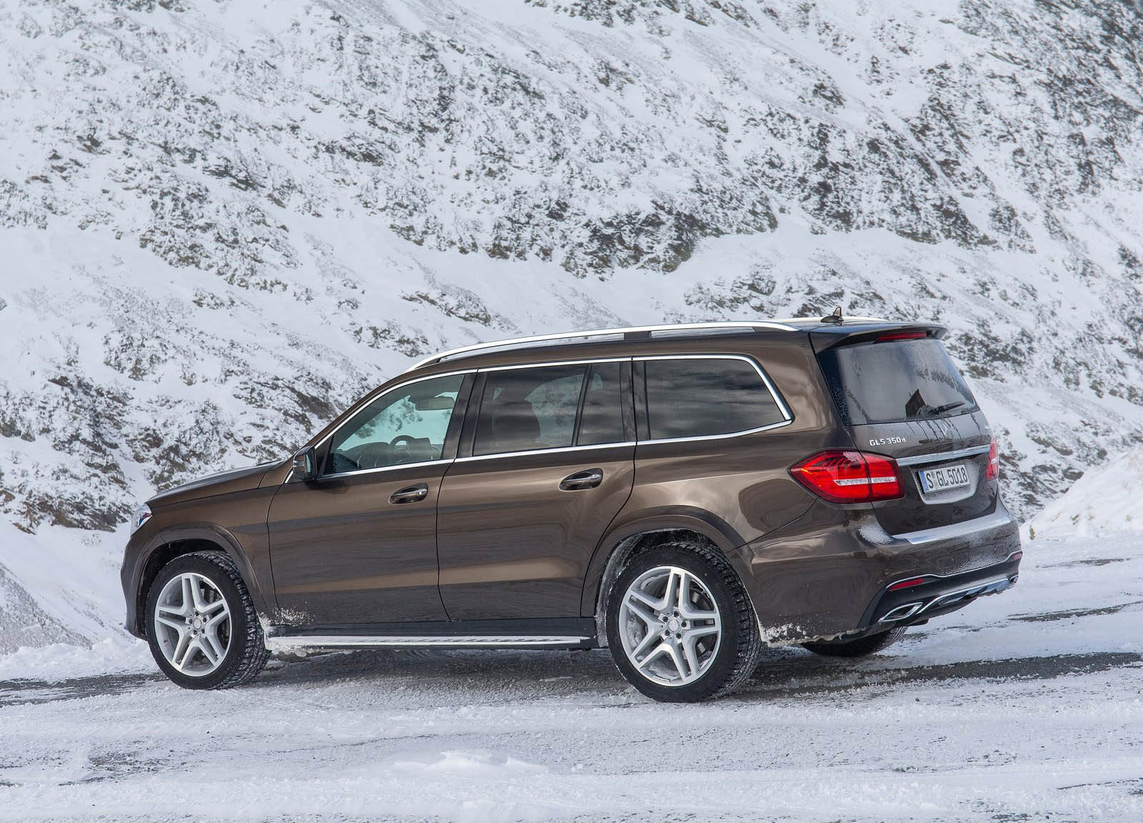 Mercedes issues four more us recalls for new gls gle e for Mercedes benz recall 2017