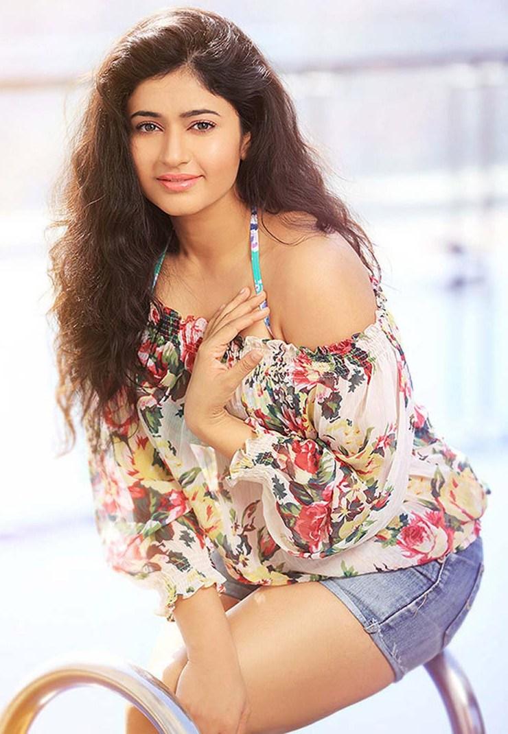 Poonam Bajwa Latest Hot Photoshoot Photos, Stills, Pics