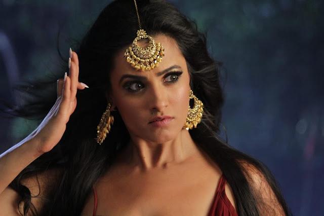 Surbhi Jyotias Bela-Heroine of Naagakanayaka serial