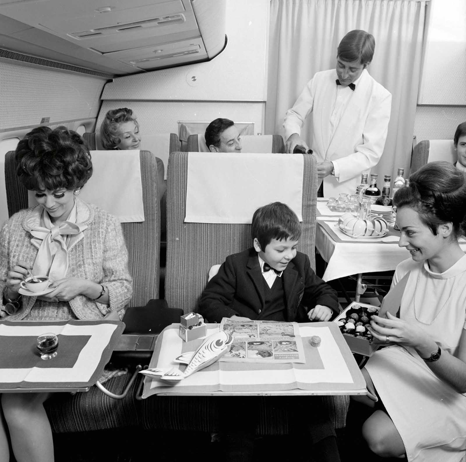 Muito espaço em comparação com os aviões de hoje.
