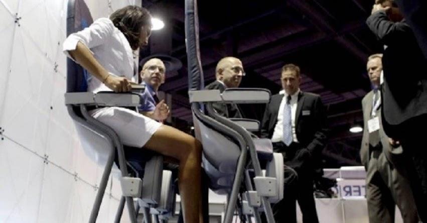 NO ES BROMA: Aerolínea de bajo costo quiere que ahora viajes «de pie»