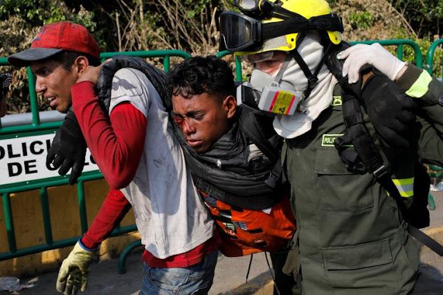 Manifestantes heridos en Puente Simón Bolívar por represión de la GNB #25Feb